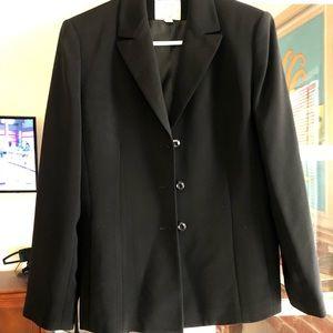Black blazer - start a work/office wardrobe